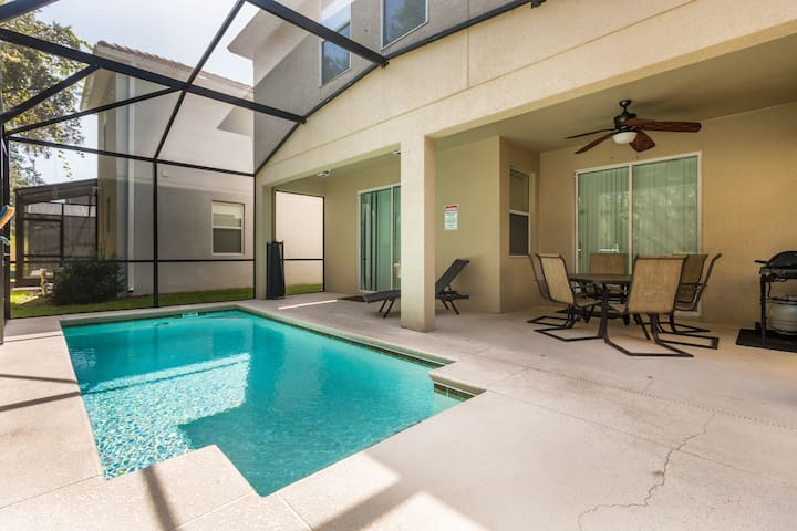 6B/5B POOL/NEAR DISNEY PARADISE PALMS (8941 CU)