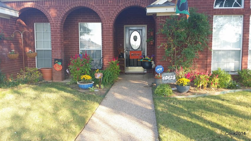 4/2 Exec Home 20 minutes from Baylor/Magnolia! - Waco - House