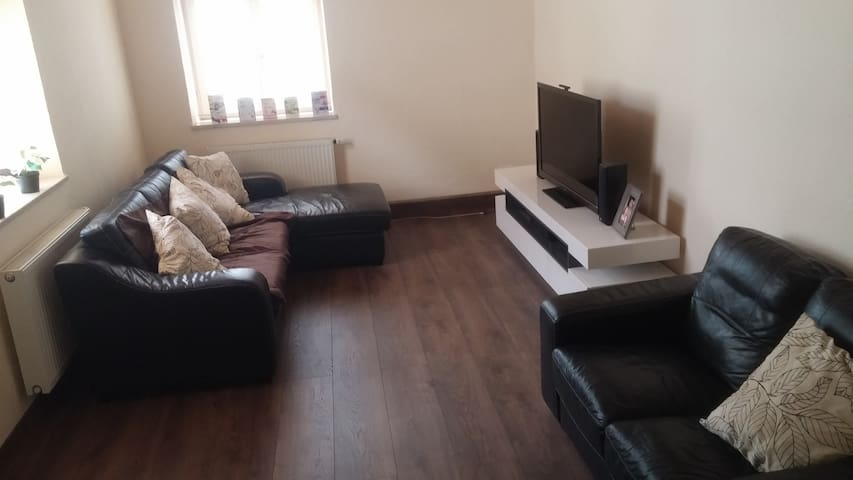 Close to city centre, river and public transport.