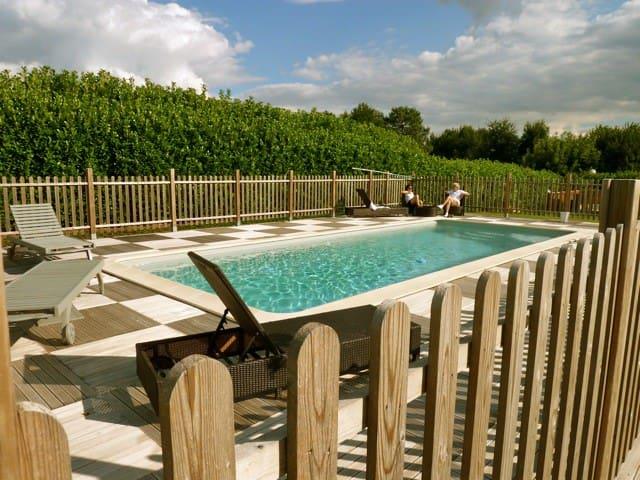 En périgord Elégante Longère***grande piscine priv