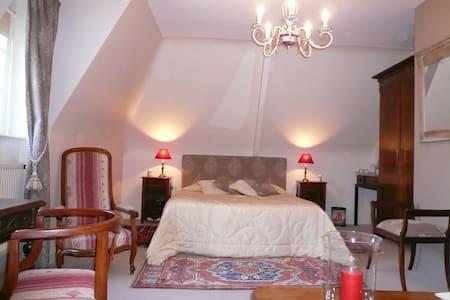 chambre 2 au 1 er étage  lit de 160 - Saint-Briac-sur-Mer - Bed & Breakfast