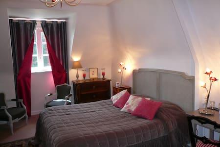 Chambre 3  au 1 er étage lit de 160 - Saint-Briac-sur-Mer - Bed & Breakfast
