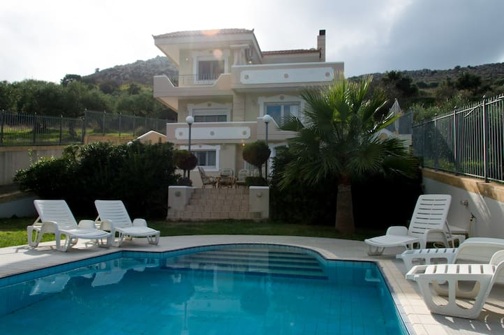 300m² villa prive pool family quiet Aris Palace - Heraklion