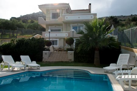 300m² villa prive pool family quiet Aris Palace - Heraklion - Villa