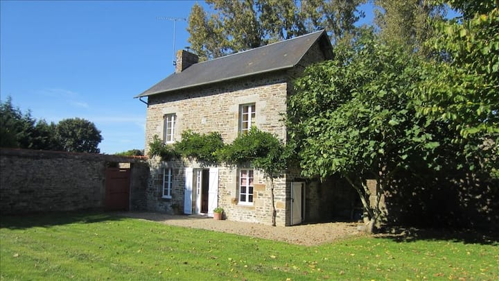 ⚜ Charming Cottage in a Park ⚜ 12km Mt St Michel