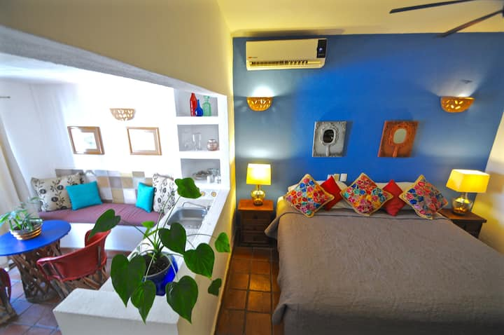 SUITE @Boutique Hotel-Romantic ZONE-Muertos Beach