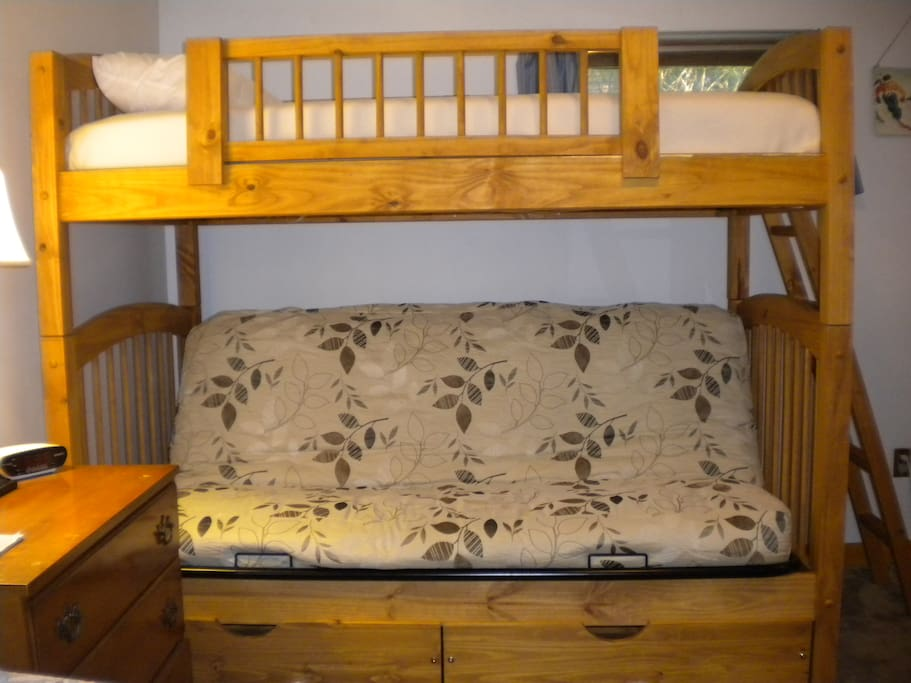 Lower level bdrm with a queen, full futon, and twin on top