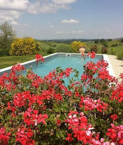 VILLA IN THE HEART OF TUSCANY WITH  - Montisi