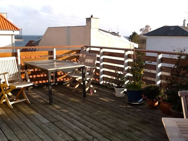 Spacious apartment with ocean view - Vedbaek - Apartamento