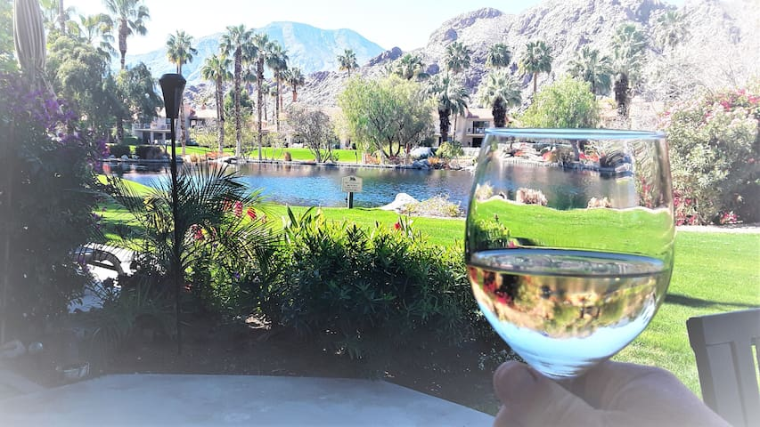** SPECIAL** La Quinta Home with a View