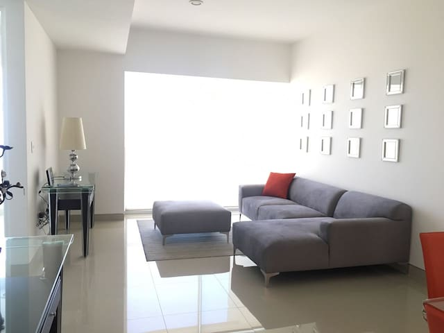 New Apartment in Lomas de Angelopolis Sonata Tower - Puebla - Huoneisto