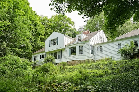 Country Manor in the Woods, professionally cleaned