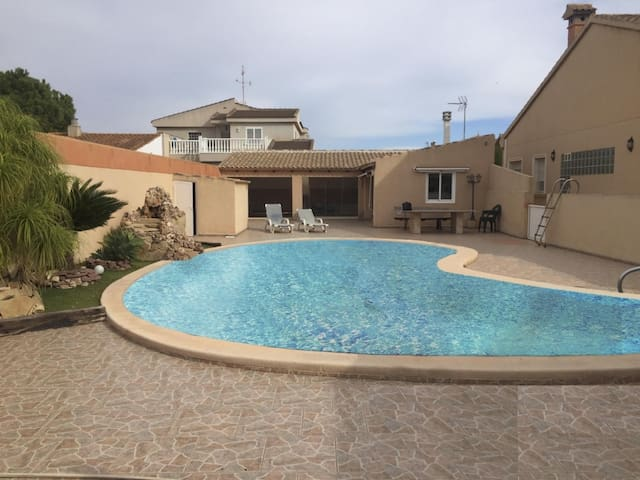 Great luxury villa, with private pool, in San Javier, for 14 people.