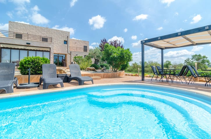SON VIGILI - Villa with private pool in Campos. Free WiFi