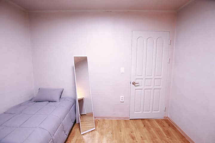 (고대B)10min to subway/Dongdaemun/private room