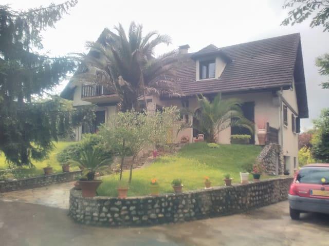 CHEZ ROSY - Chambres chez l'habitant avec jardin