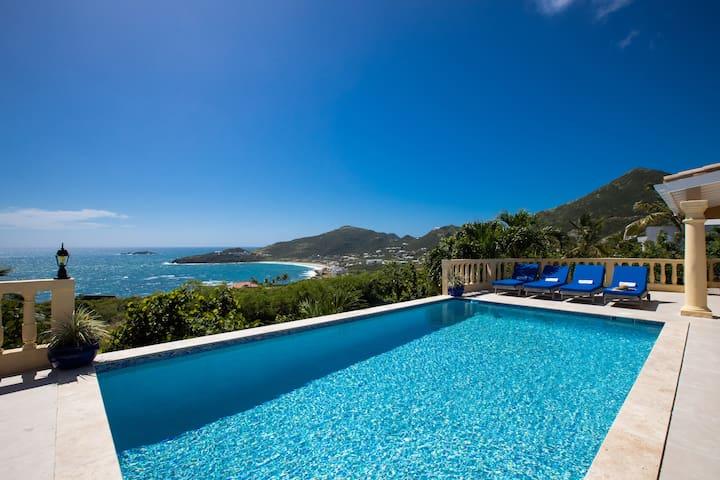 ★ Spectacular Views, Serene & Very Private Villa