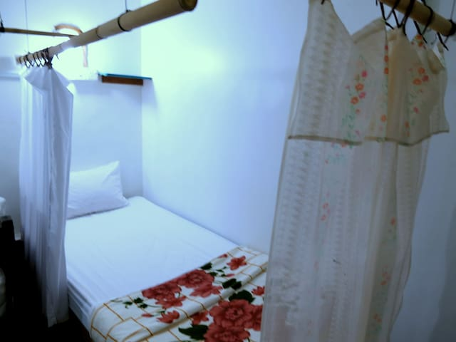 1 single bed