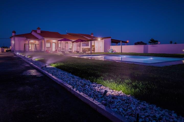 Beautiful Villa's with Saltwater pool —sleeps 18