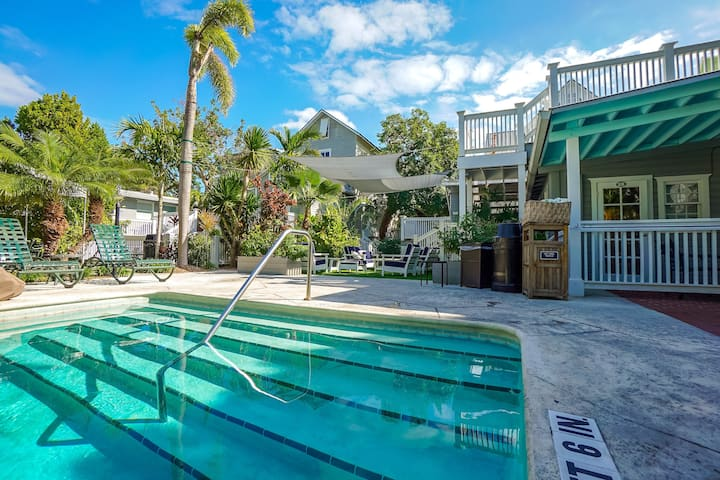 Beautiful Space with a Private Patio | Discover Key West on Complimentary Loaner Bikes