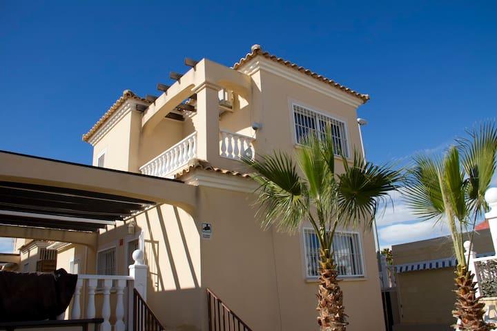 PERFECT FAMILY VILLA WITH PRIVATE SWIMMINGPOOL - Orihuela - Villa