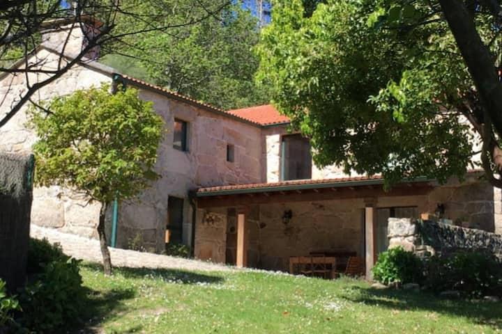 Casa rural en el monte gallego: Mondariz