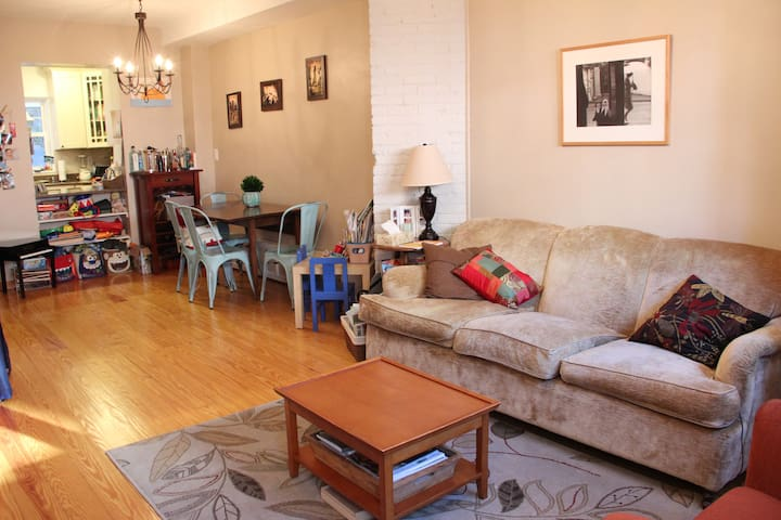 Charming Historic 3BD, close to NYC - Hoboken - Rumah