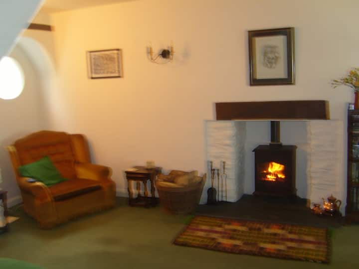 Cosy comfortable  3 bed cottage in Exton