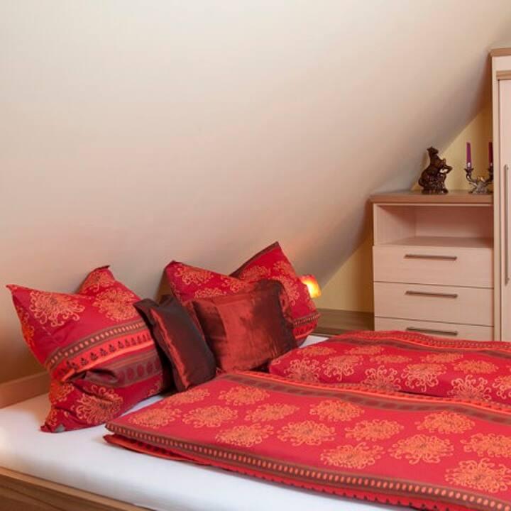 Ferienwohnungen Renner (Viereth-Trunstadt), Dachgeschoss-Ferienwohnung 3 (31qm)mit offenem Schlaf- und Wohnbereich