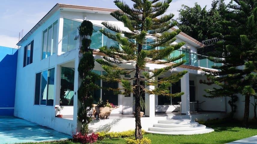 Hermosa Casa con Alberca y Jardín. - Oaxtepec