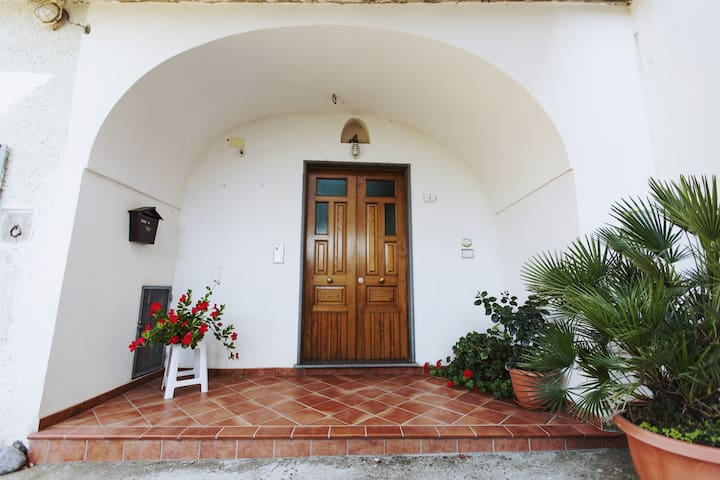Trekking House ''Sentiero delle Fonti''