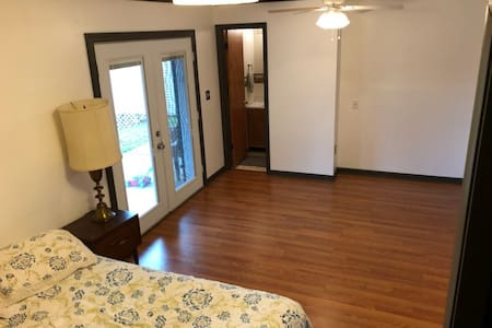 Spacious room with private entrance & 1/2 bath