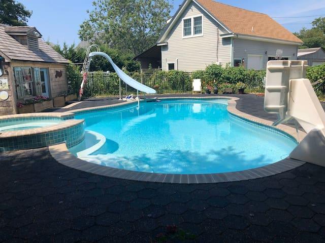 Seashore Loft with pool