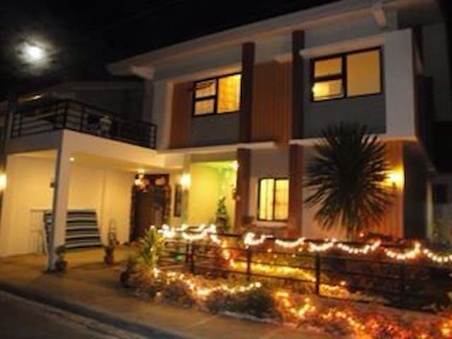 Single Detached in the subdivision - Calapan - Hus