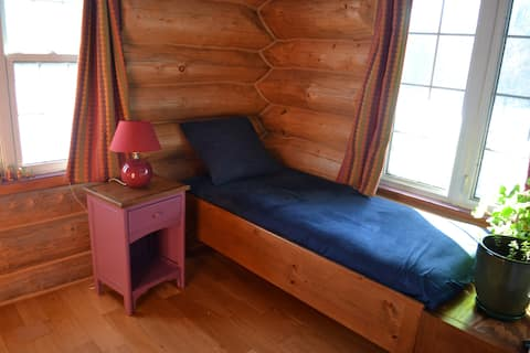 Private study in spacious log house near Almonte