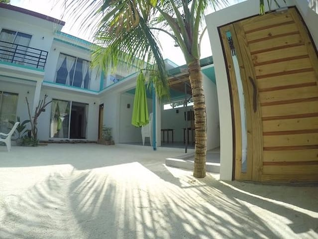Comfy stay and excursions Rasdhoo
