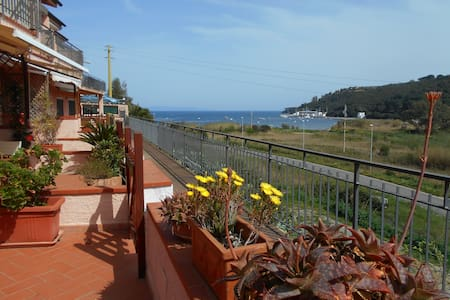 Balcony on the Bay - Porto Azzurro LIvorno - Apartamento