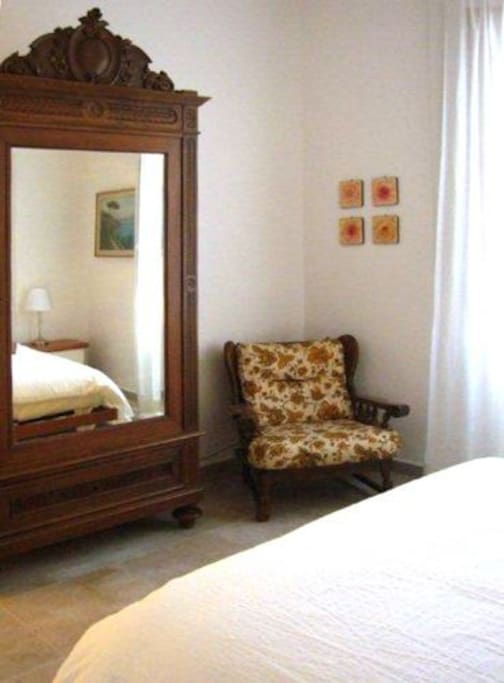 Camera 1 (2 singoli o 1 doppio) - Bedroom 1 (2 twins or 1 double bed) - Quarto 1 (2 camas de solteiro ou 1 de casal)