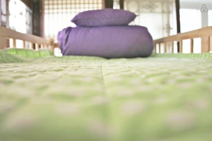 HomoNomad House _ Mixed 6-bed Dorm - Gyeongju-si - Bed & Breakfast