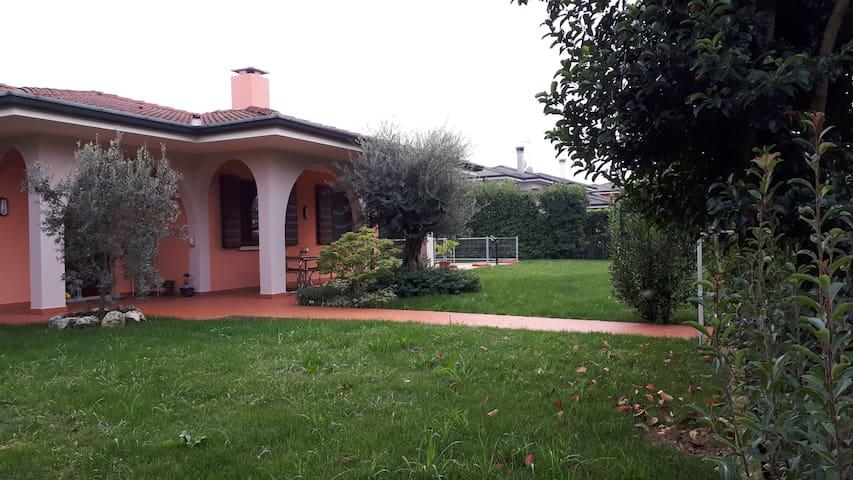 Villa vicino a Mantova in affitto