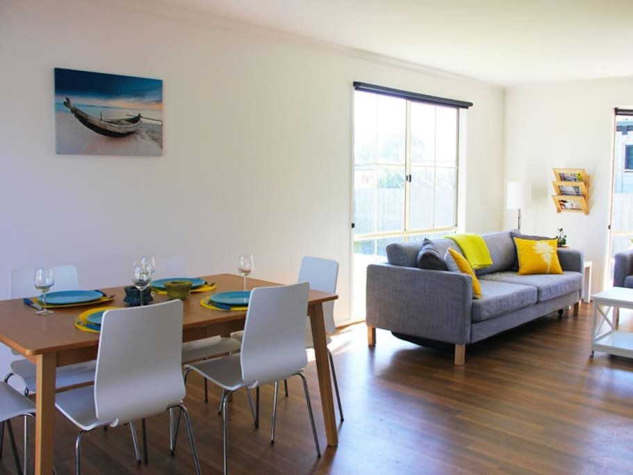 Open space living/dining