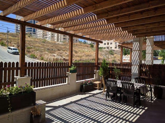 Beit Faris o Peter - Shared Apartment