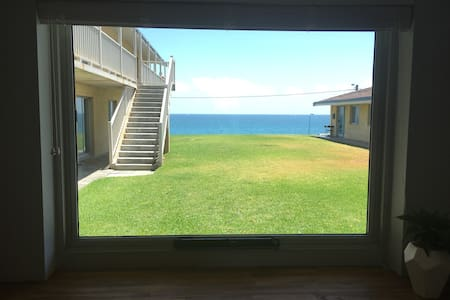 Whole apartment right on the beach! - Watermans Bay - Huoneisto