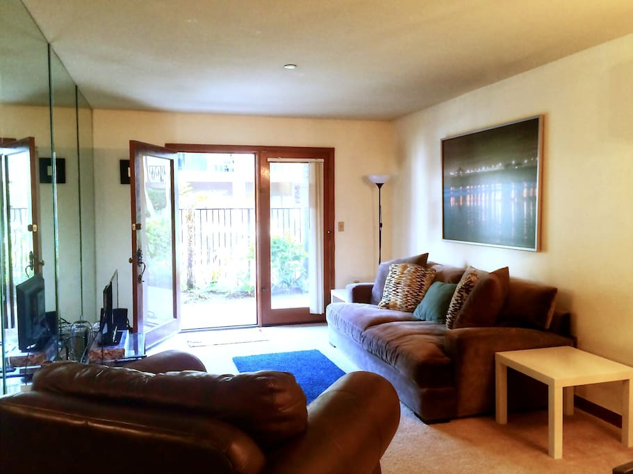 1 Bedroom Condo In Heart Of Orange County Apartments For Rent In Fountain Valley California