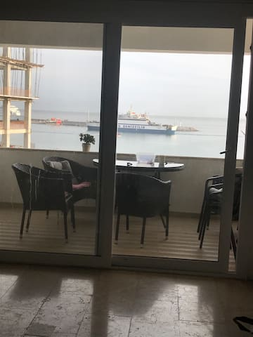 Kyrinia New Harbour flat 3+1 for 8 people