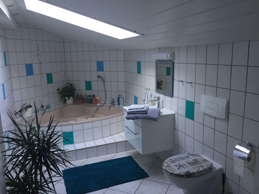 Eigenes Badezimmer