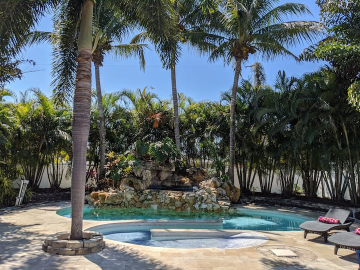 NEW! Heated Pool home sleeps 8! Private Paradise!