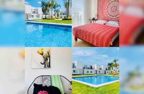 Nice Mexican House! WiFi, Cable, AC,Security 24/7
