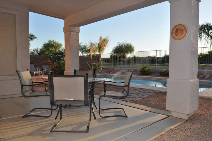 Private heated pool on golf course! - San Tan Valley