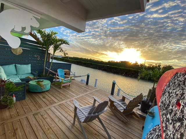 Manatee-by-the-Sea:  Your Best Stay in May!